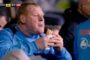 FA официально предъявила обвинения вратарю, который съел пирог во время матча