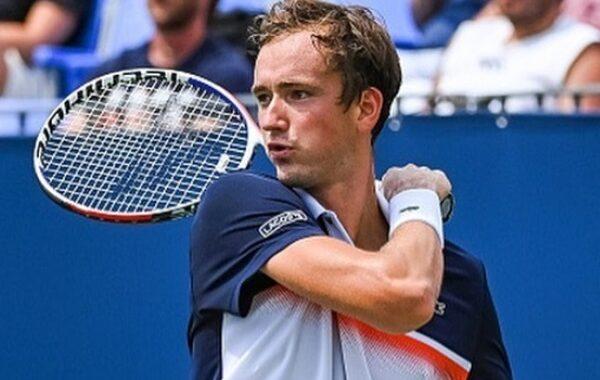 Прогноз на теннис: Даниил Медведев – Вашек Поспишил, Шанхай, 3-й круг (10/10/2019)